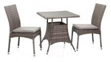 FIGO-pöytä ja 2 tuolia